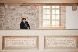 Pro vedoucí stav. úřadu města Ruhla není sanace jen pracovní záležitostí. Elke Schmidt je totiž také předsedkyní spolku na záchranu kostela. Aby mohla být rekonstrukce sakrální stavby kompletní, pomáhala při realizaci několika detailních úprav.