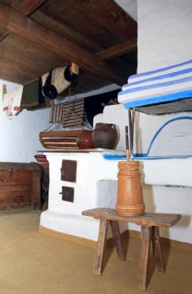 Tradiční vápenný nátěr v interiéru chalupy