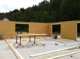 Opláštění rámové konstrukce dřevostavby