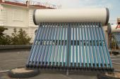 Solárně termické trubicové kolektory se zásobníkem