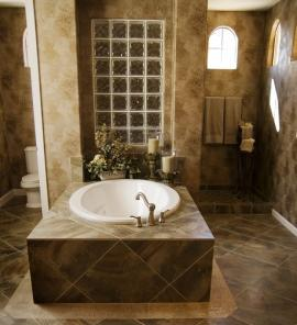 Využití luxfer v interiéru - oddělení sprchového koutu
