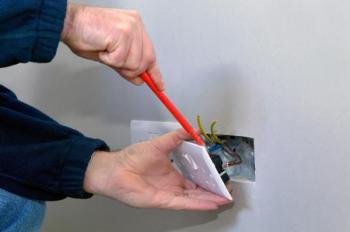 Instalace zásuvek a vypínačů