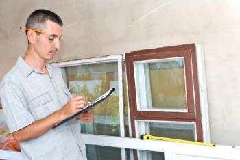 Renovovaná okna nám může zasklít profesionál