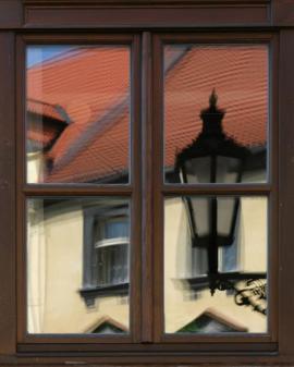 Nové okno v historické zástavbě