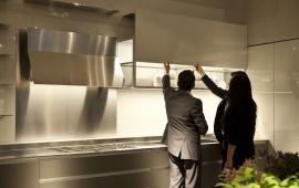 Vysoký lesk a světlo, to je moderní kuchyně