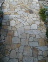 Kamenná zahradní dlažba