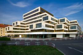 Štětkova 18 – rekonstrukce objektu Administrativní budova