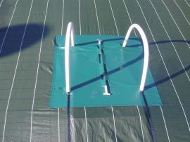 Zimní plachta, řešení u schůdků