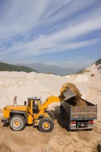 Nakládka písku v pískovně