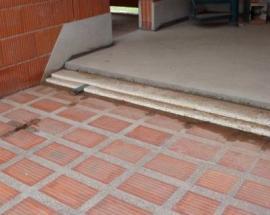 Panely mají hned po položení 75 % udávané tebulkové nosnosti