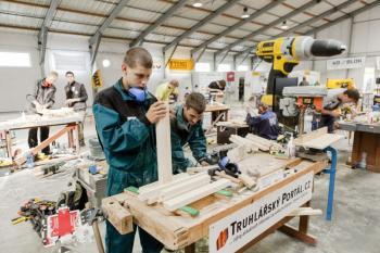 SUSO - studenti truhlářského řemesla