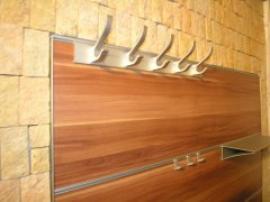 Lamino s povrchovou úpravou v dekoru dřeva