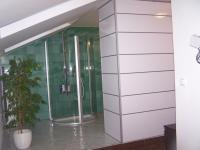 Stěnový systém v koupelně