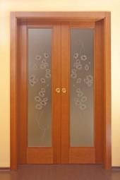 Dvoukřídlé prosklené dveře