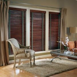 Dřevěné interiérové horizontální žaluzie