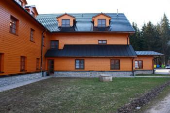 Nová střecha je na zimu připravena i bez kontroly