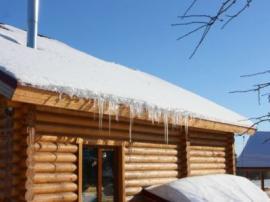 V kvalitně provedené a dobře udržované dřevostavbě se příjemně bydlí po celý rok