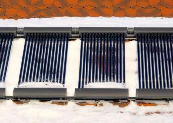 Solárně termické trubicové kolektory v zimě