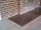 Kámen na podlaze pře venkovním krbem