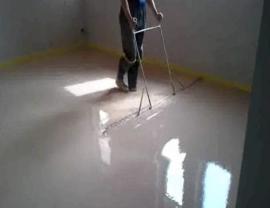 Zarovnávání lité podlahy