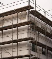 Zateplování obálky bytového domu fasádním polystyrénem
