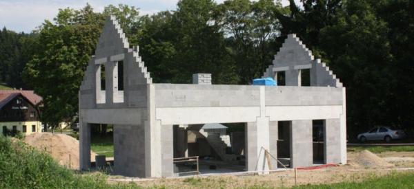 Dokončení hrubé stavby