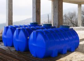 Plastové jímky určené k zabudování v zemi