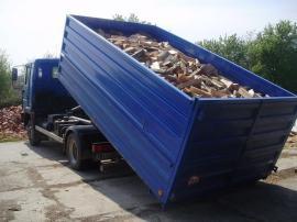 Doprava naštípaného bukového dřeva