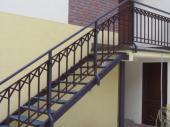 Kovové schodiště a zábradlí