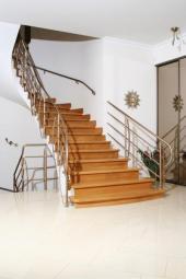 Kovové schodišťové zábradlí