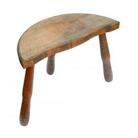Tato stolička vyžaduje přebroušení a povrchovou úpravu