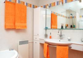 Nově a čistě zařízená koupelna