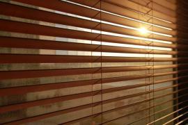 Dřevěné horizontální žaluzie