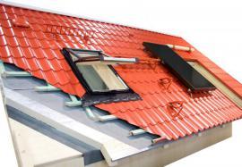 Průřez střešním pláštěm šikmé střechy