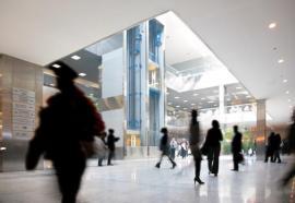 Podlaha ve vestibulu komerčního centra