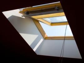 Dřevěné střešní okno