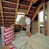 Zateplení šikmé střechy mezi krokvemi