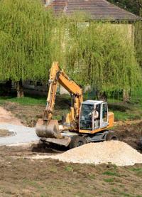 Příprava terénu pro pokládku dlažby