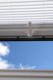 Plastové střešní okno