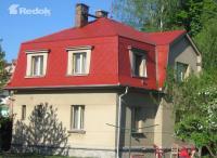 Střecha po ošetření akrylátovým nátěrem
