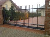 Brána samonosná posuvná