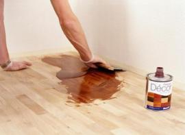 Roztírání oleje špachtlí