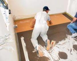 Proložení podsypu podlahy tvrdou deskou