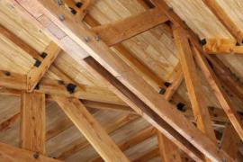 Některé konstrukce krovů musí být složité, vždy ale platí, že v jednoduchosti je krása