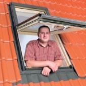 Okno FTT U8 Thermo - zvýšená osa otáčení usnadňuje přistup k otevřenému oknu