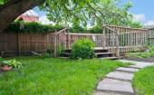 Dřevěná terasa a oplocení
