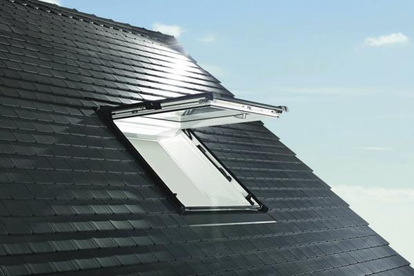 Výklopné/kyvné střešní okno Designo R8