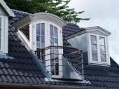 Podkroví prosvětlí i provzdušní mansardy - možný je i malý balkónek