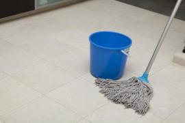 Mytí podlahy