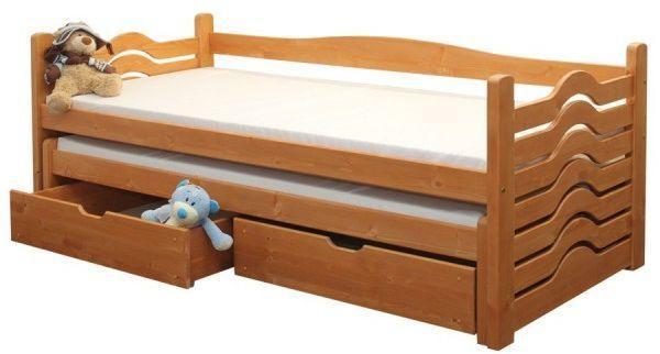 Masivní postel s vysouvacím úložným prostorem